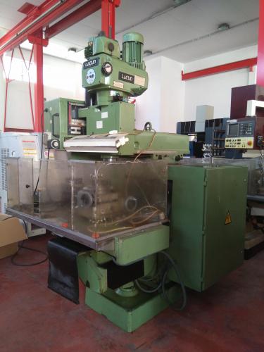 MILLING MACHINE LAGUN FTV-2 CNC