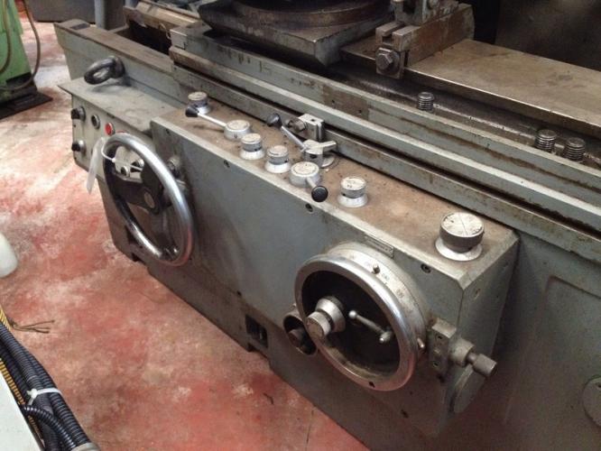 GRINDING MACHINE DANOBAT 800-PR