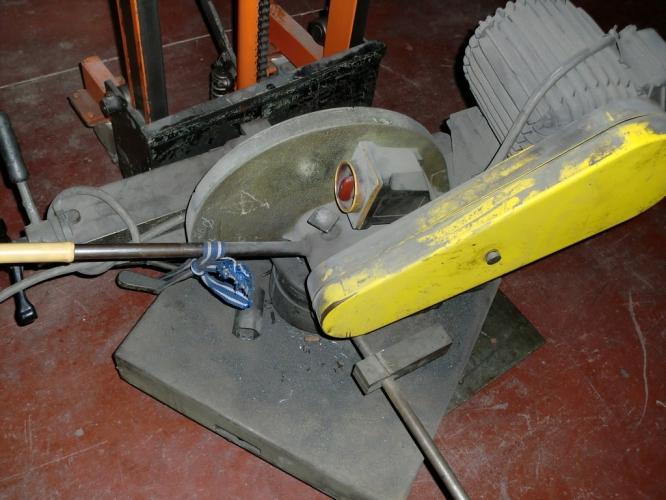 ABRASIVE DISK CUTTING-OFF MACHINE  A300 BROWN